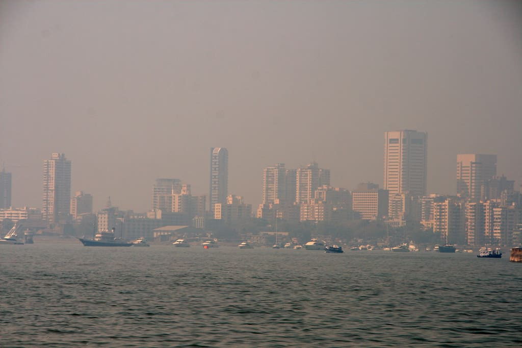 Pollution hangs heavy on those days when the landward winds from the sea slow down. Credit: Christian Haugen/Flickr